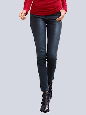 Jeans mit figurgünstiger Schnittführung