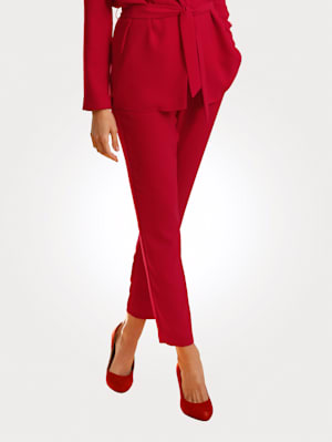 Pull-on trousers in a bold red hue