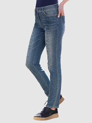 Jeans med leopardmönster fram
