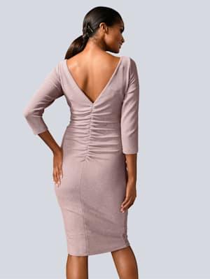 Kleid in dezentem Glanz