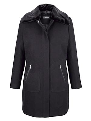 Manteau court à empiècement fausse fourrure amovible au col