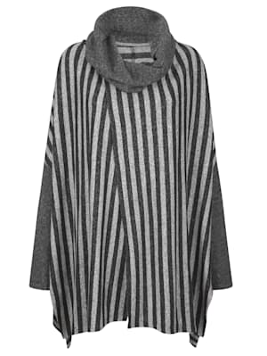 Poncho in a jacquard knit