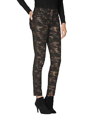 Pantalon à motif camouflage