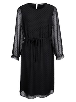 Kleid aus strukturierter Qualität