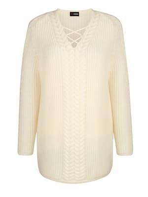 Pullover mit Bändern am V-Ausschnitt