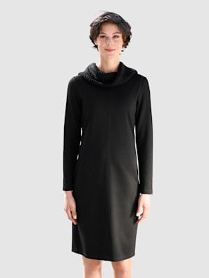 Kleid mit Materialmix