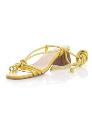 Sandaletter med knytband runt vristen