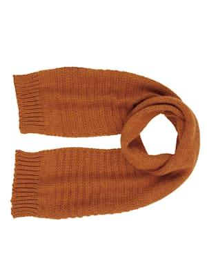 Pletený šál z hrubej pleteniny