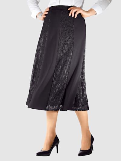 kjolar i stora storlekar