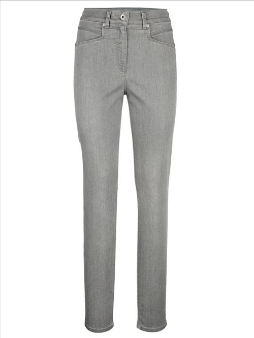Jeans in schlanker Silhouette