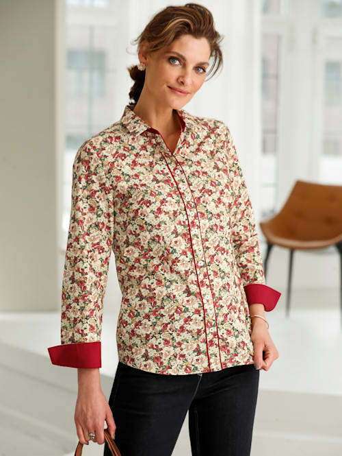Blouse made of cotton