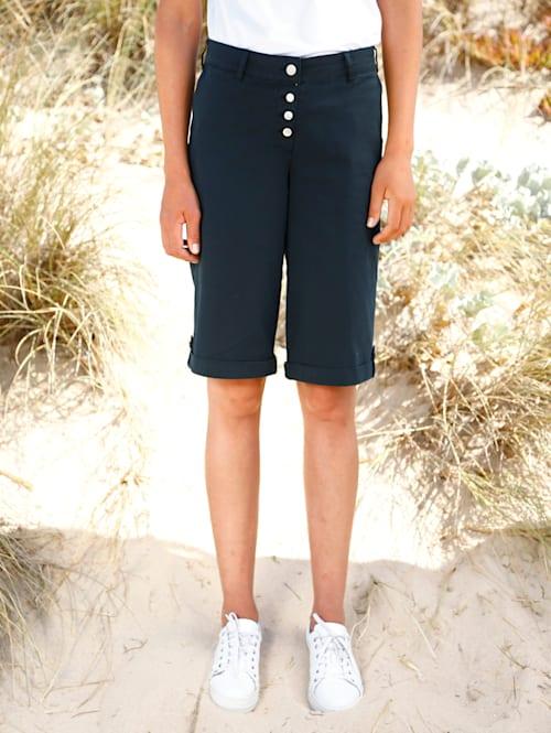 Shorts med uppvik