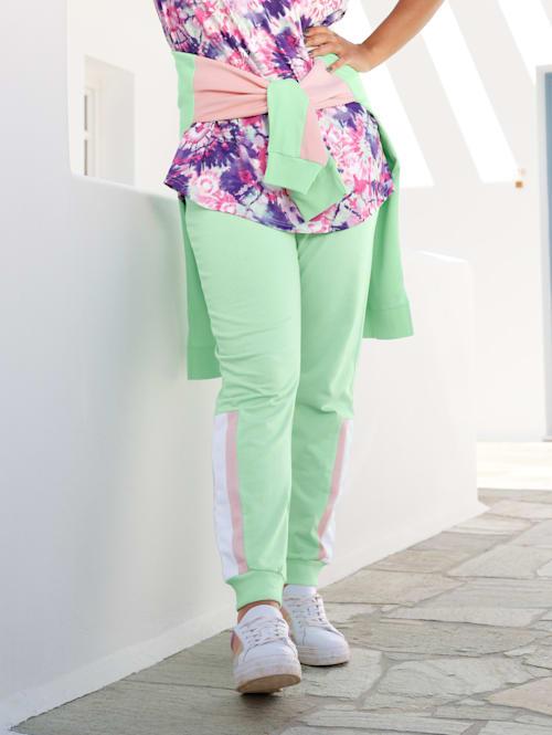 Jog nohavice s kontrastnými pruhmi na bokoch