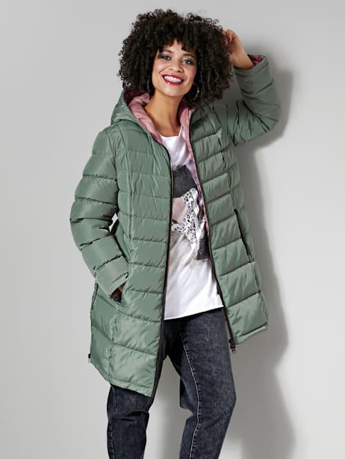 Prešívaná bunda s podšívkou kontrastnej farby