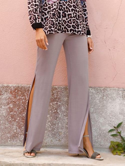 Kalhoty s dlouhými rozparky