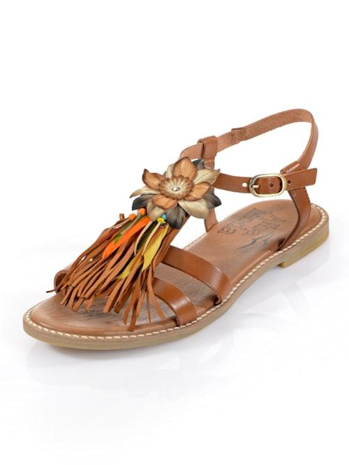 Sandale mit modischer Blumenapplikation