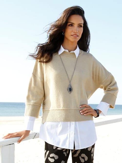 Pullover mit Schlitzen in der Seitennaht
