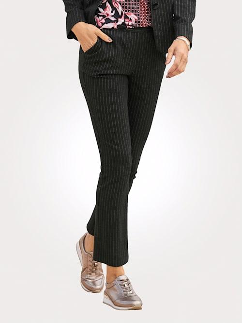 Pantalon en jersey à fines rayures verticales