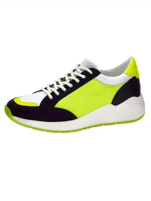 Sneakers i härliga färger