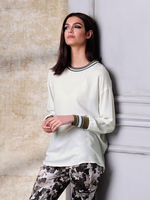 Bluse mit kontrastfarbiger Rippenblende