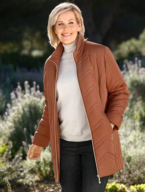 Gewatteerde jas met mooie stiksels