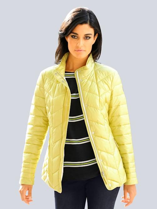 Gewatteerde jas in sportieve stijl
