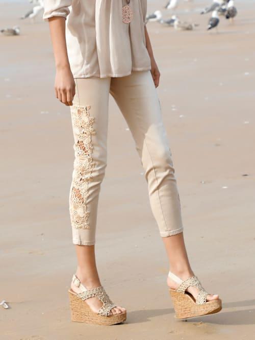 Jeans med spets