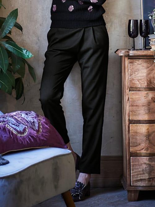 Hose mit Bundfalten