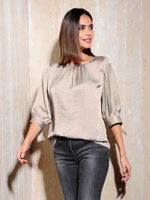 Bluse aus leicht glänzendem Material