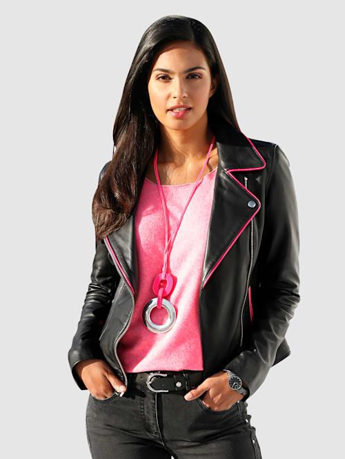 Leren jasje met pinkkleurige accenten