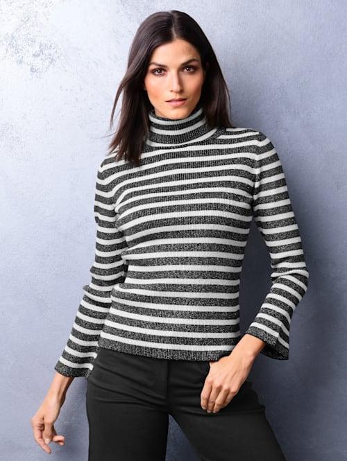 Pullover allover im klassischem Streifenmuster