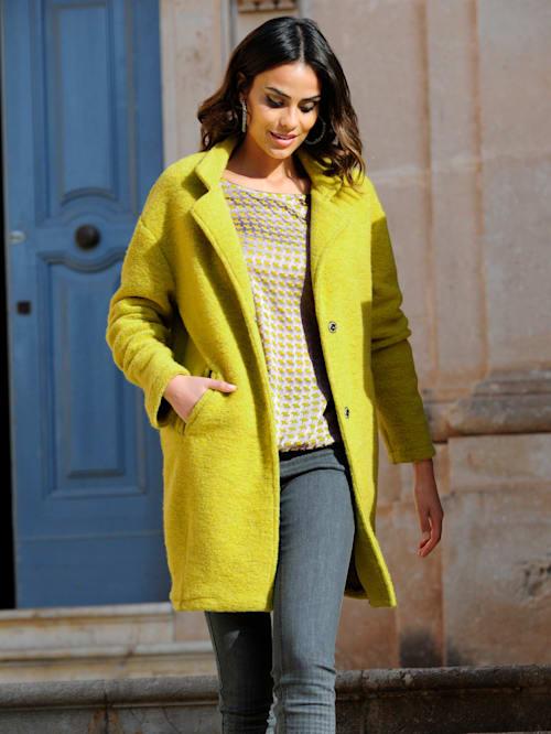Mantel in trendiger Farbstellung