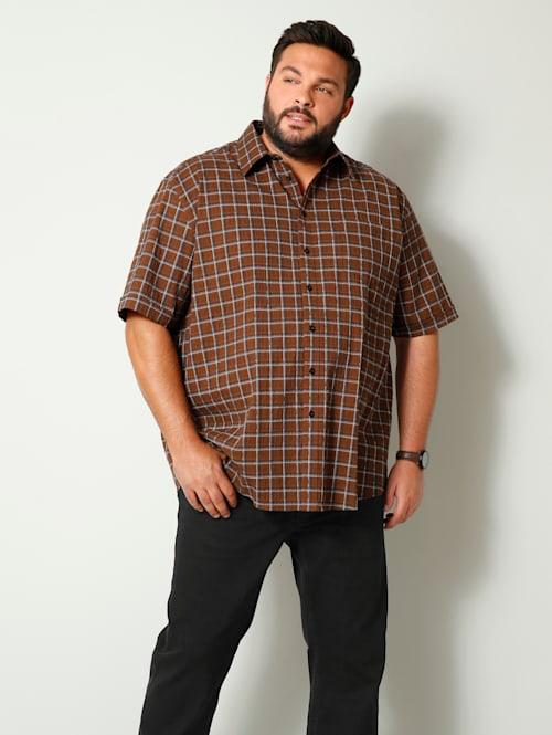 Skjorta med gott om plats för magen