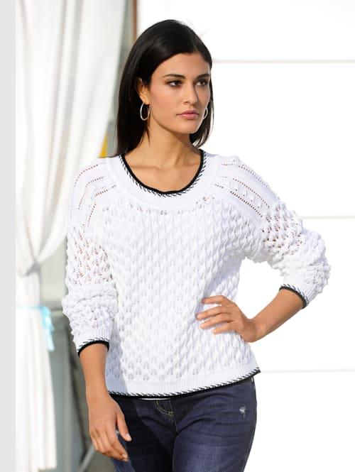 Pullover in schönem Ajourstrick