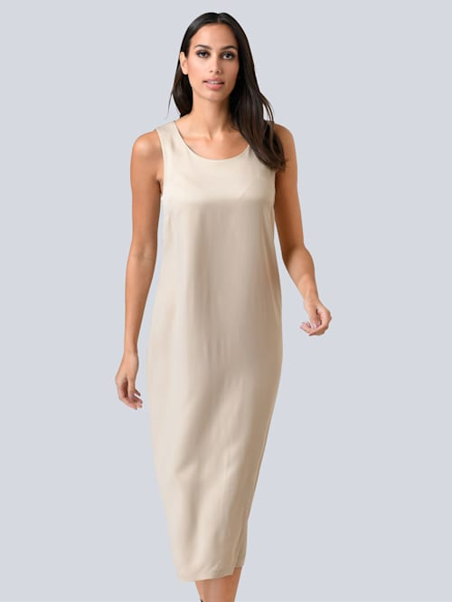 Šaty z ušľachtilej kvality