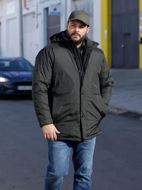 Jacke mit verstaubarer Kapuze