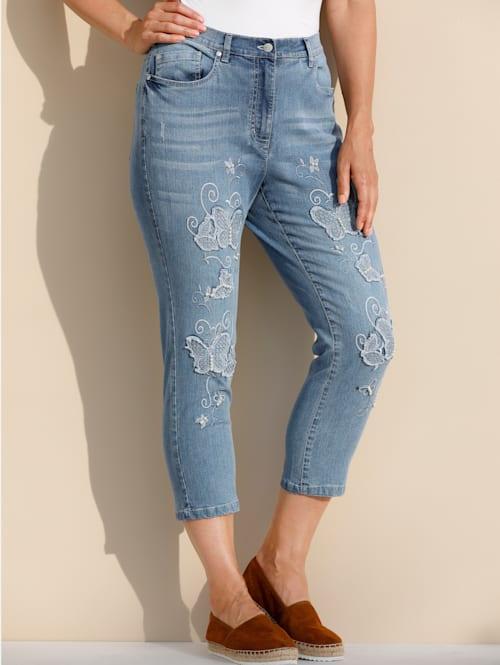 Jeans mit Schmetterlings-Stickerei und Perlen
