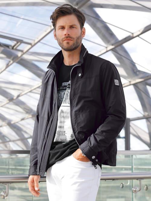 Jacke in leichter Qualität