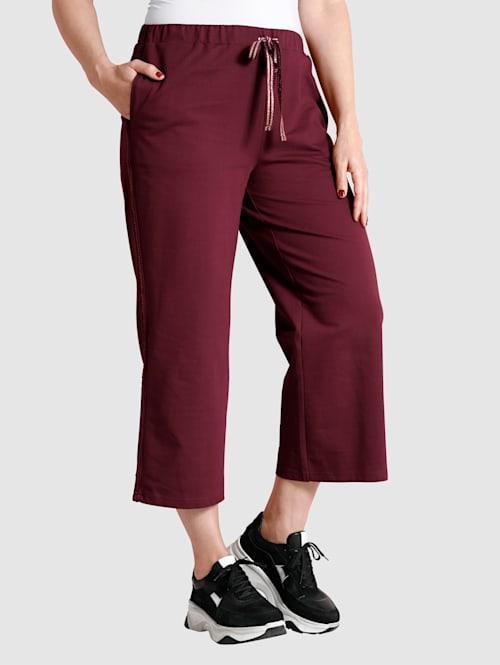 Leveälahkeiset culottes-housut