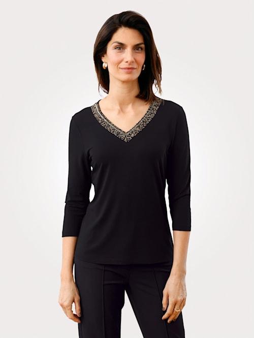 T-shirt avec application de perles à l'encolure