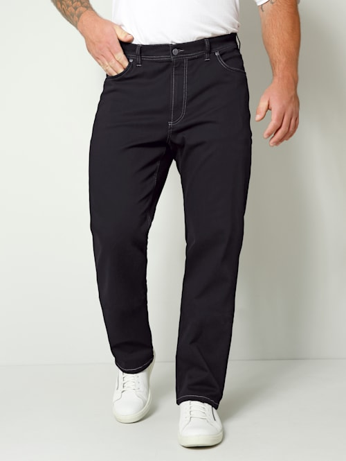 Jeans in Straight Fit model