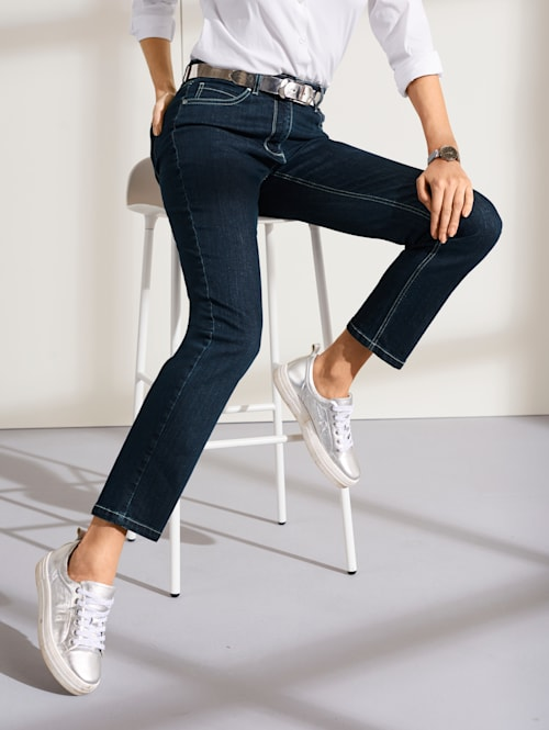 Jeans met geborduurd logo
