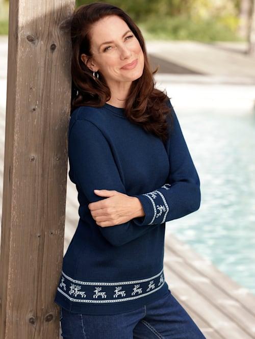 Pullover mit winterlichem Strickmuster