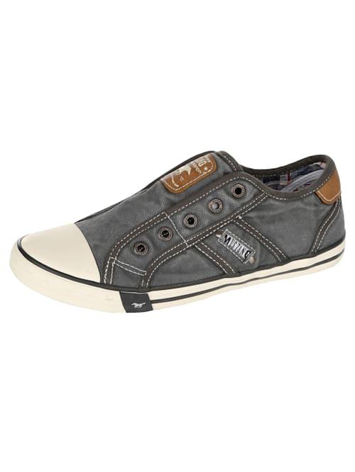 Sneakers i trendig design