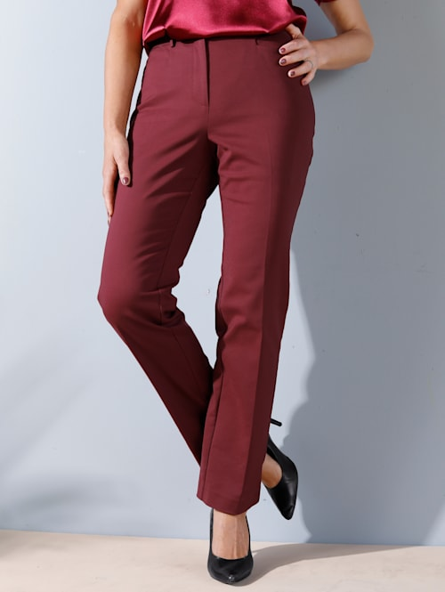Pantalon avec plis permanents allongeants