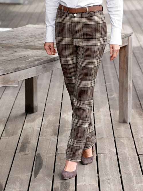 Trousers in a check pattern