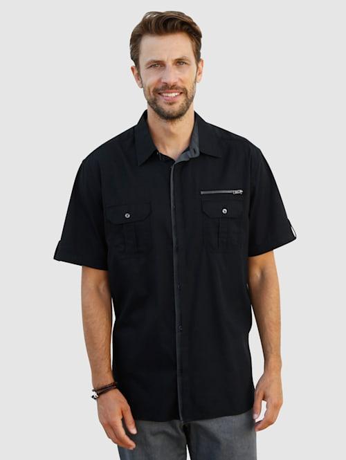 Skjorte med lett struktur