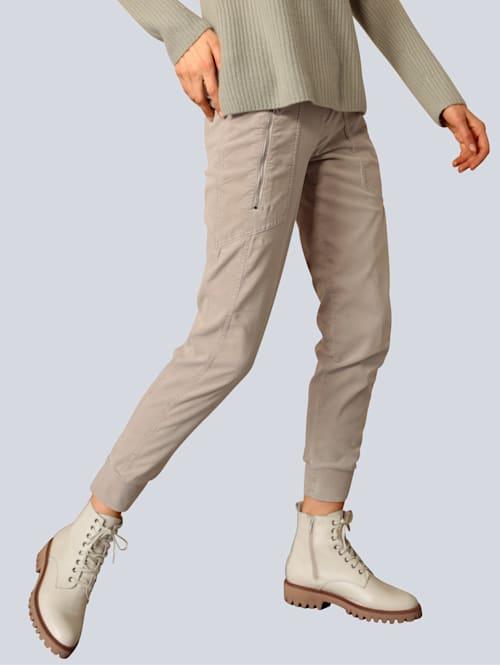 Hose aus weicher Samtware