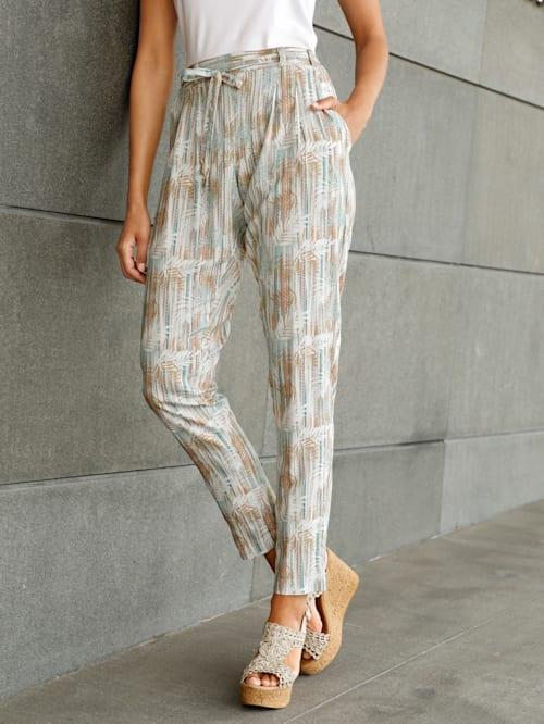 Byxor med trendigt mönster
