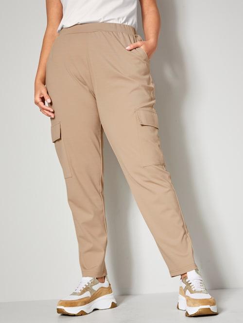Kalhoty s kapsami ve výši kolen